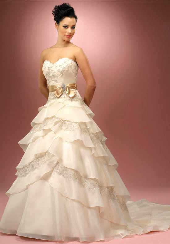 Peinados de novia sencillos para estar guapísima en tu boda