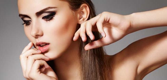 Trucos de maquillaje exprés para resplandecer de noche