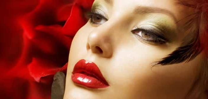 Videos de maquillaje para deslumbrar en Navidad
