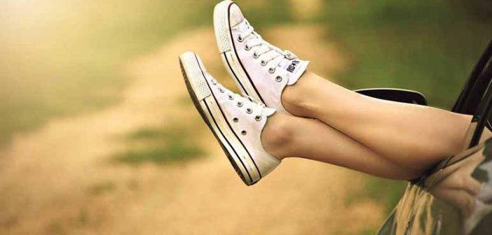 5 trucos de belleza para acabar con los pies hinchados