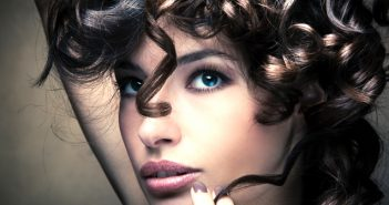 Cómo ondular el cabello con remedios caseros