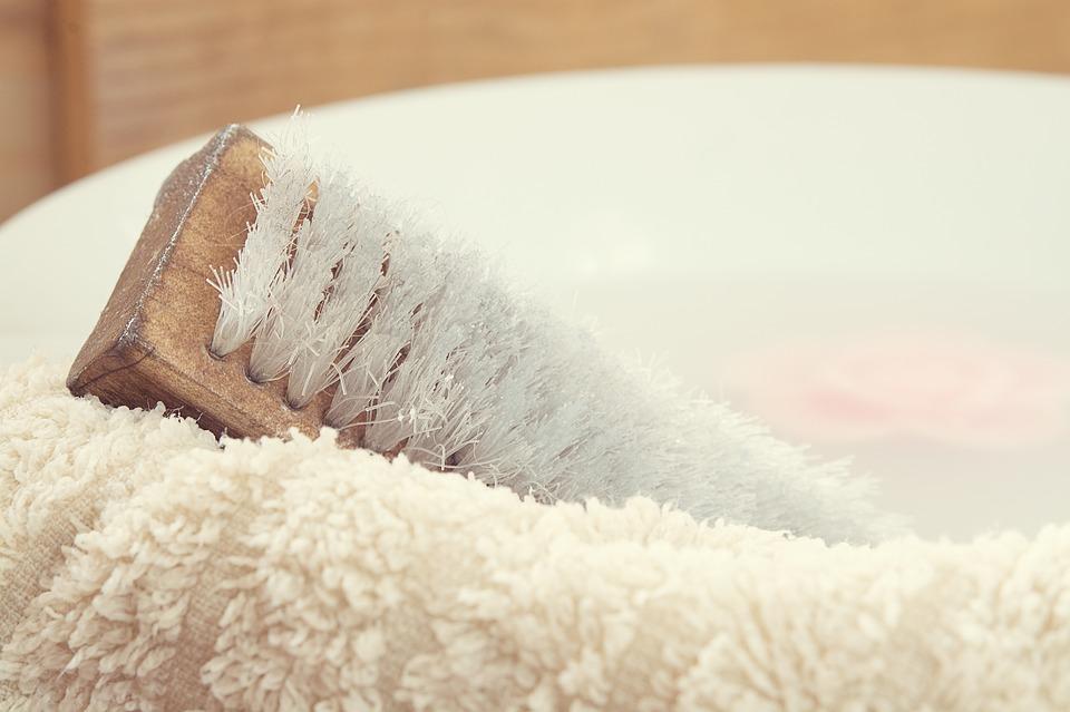 Beneficios del body brushing para la piel