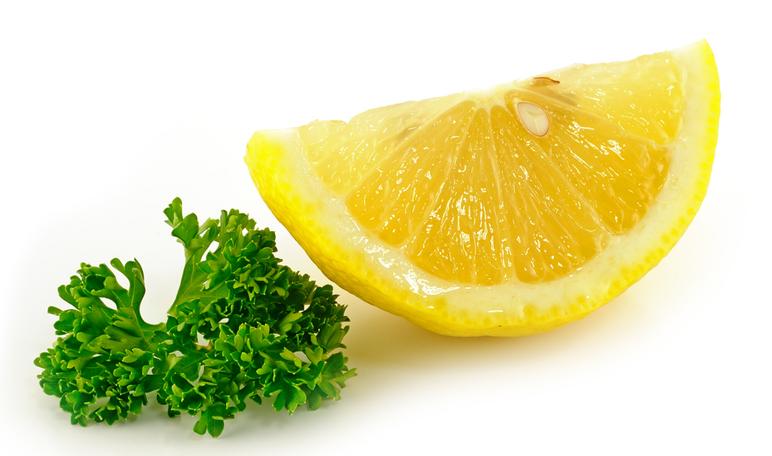 Cómo quitar las manchas de la piel con ingredientes naturales