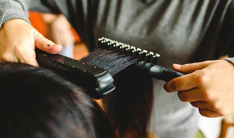Los peinados con plancha más fáciles y más rápidos de hacer - Siéntete Guapa